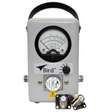 Wattmetro Direccional Thrueline de Banda Ancha con Elemento Fijo de 25-1000 MHz, 5-500 Watt .