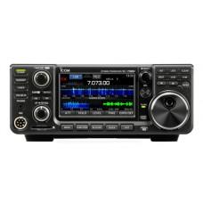 Radio base HF/50MHz, modos de operación  SSB, CW, RTTY, AM, FM, 100W de potencia, 101 canales, pantalla touch screen. Inlcuye microfono y cabe de corriente